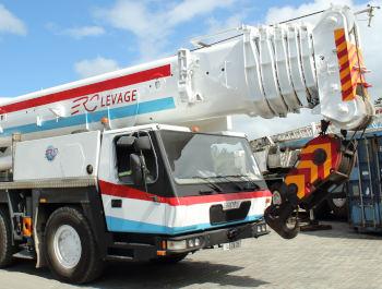 Grove 130-t crane rentals in Mauritius