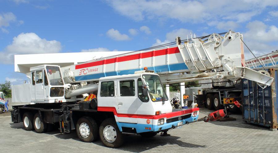 50-ton crane rental in Mauritius