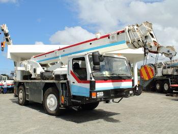 25-ton mobile crane Mauritius
